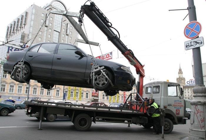 В каких случаях автомобиль могут принудительно эвакуировать?