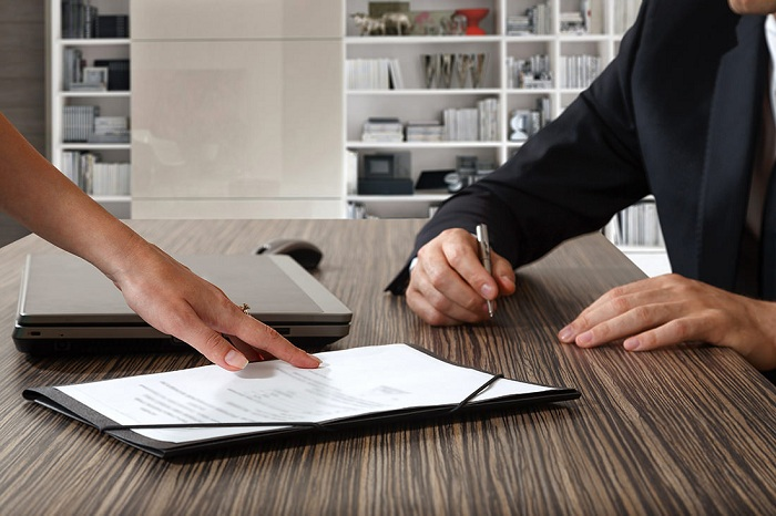 Как правильно составить претензию по низкому качеству мебели?