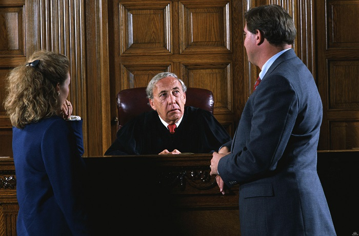 Обращение за помощью в суд