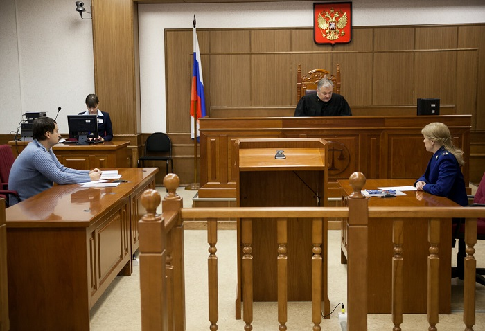Как призвать к ответственности гражданина, не желающего помогать своим отпрыскам, через суд?