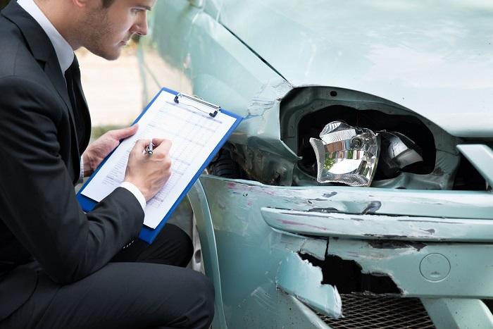 Процедура оценки стоимости повреждений авто после аварии