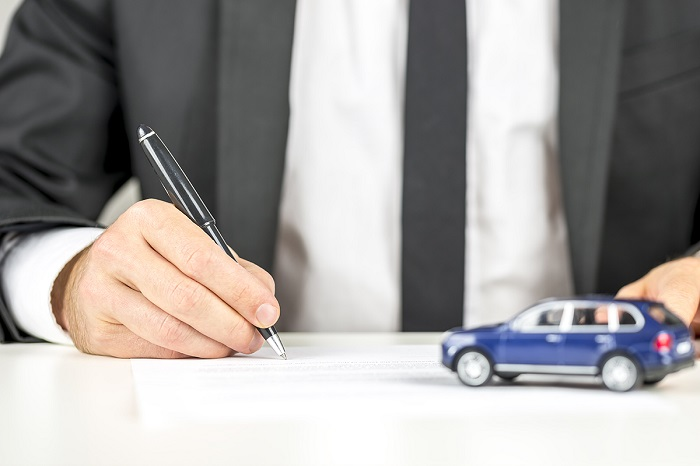 В каких случаях автомобилистам следует обращаться в суд, и что делать, если выплата по страховке не покрывает расходы?