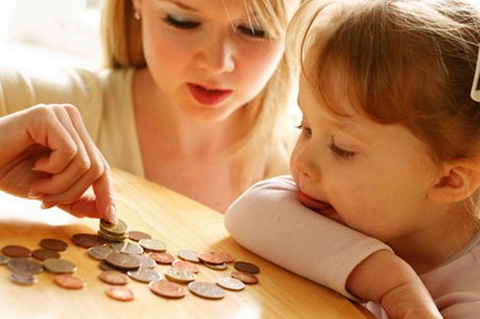 Выплаты на детей меньше прожиточного минимума: как изменить ситуацию?
