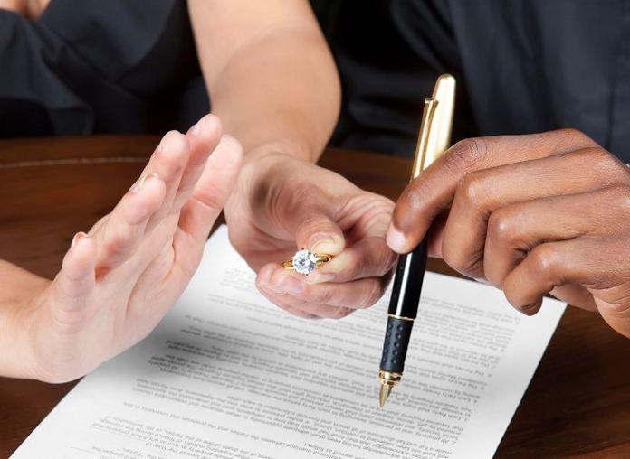 ак проходит развод через суд
