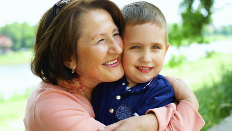 Может ли бабушка оформить опекунство над внуками